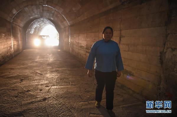 Deng Jingsijang u tunelu
